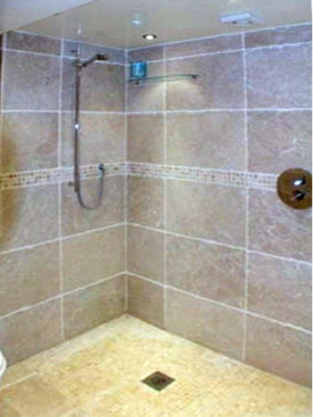 Shower room by Dublin Bathroom fitters, Ireland